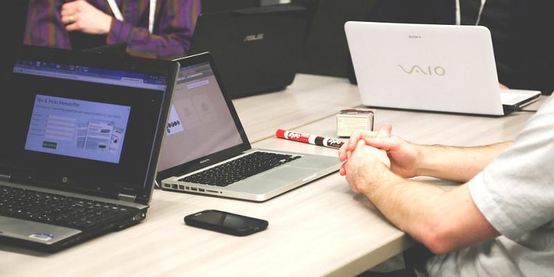 Coût création site web : formation / documentation