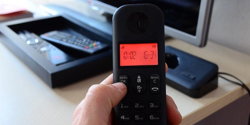 l 39 tiquette de l 39 utilisateur de t l phone en communaut. Black Bedroom Furniture Sets. Home Design Ideas