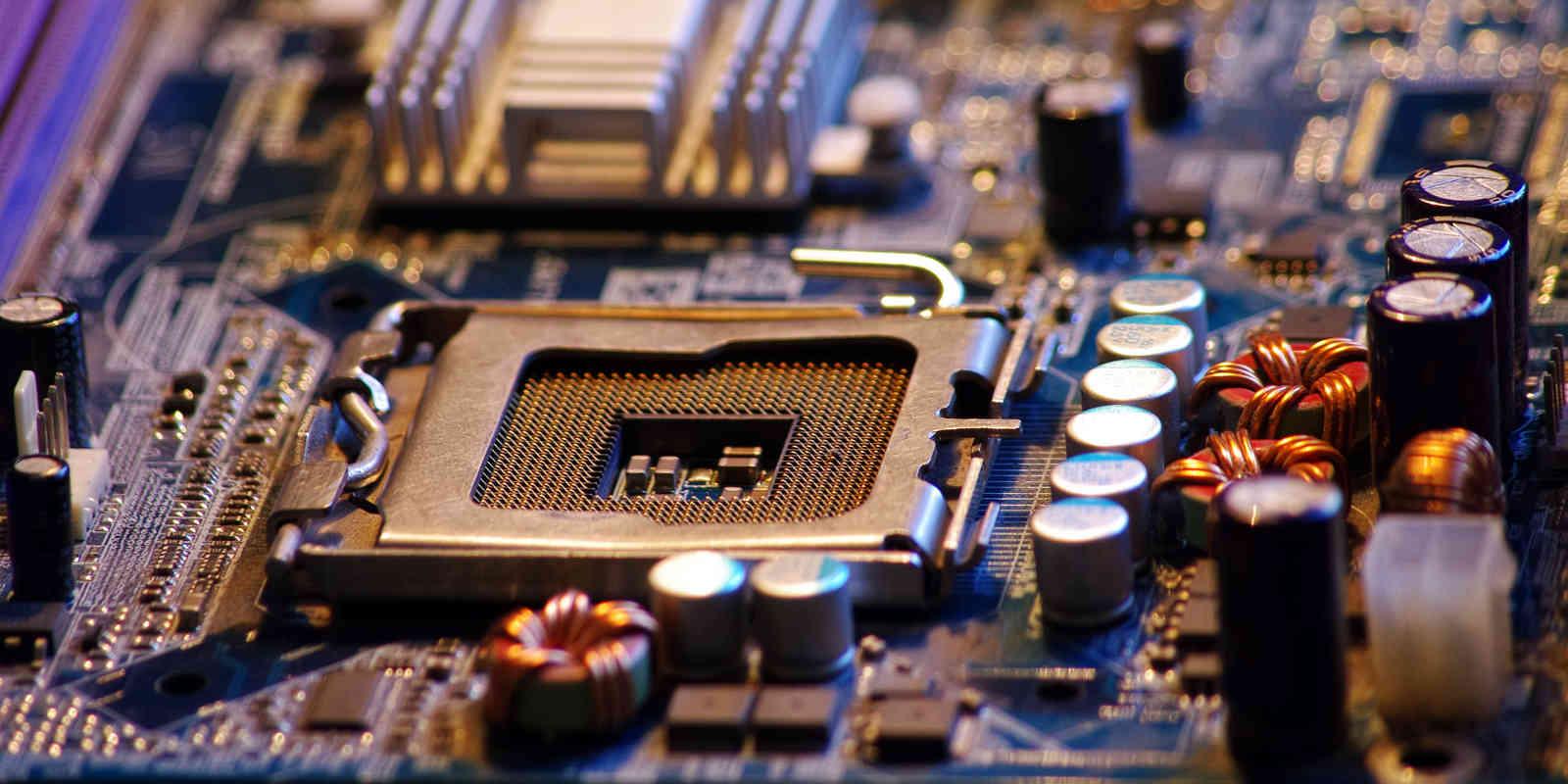 un ordinateur  comment  u00e7a marche   le r u00f4le des principaux composants